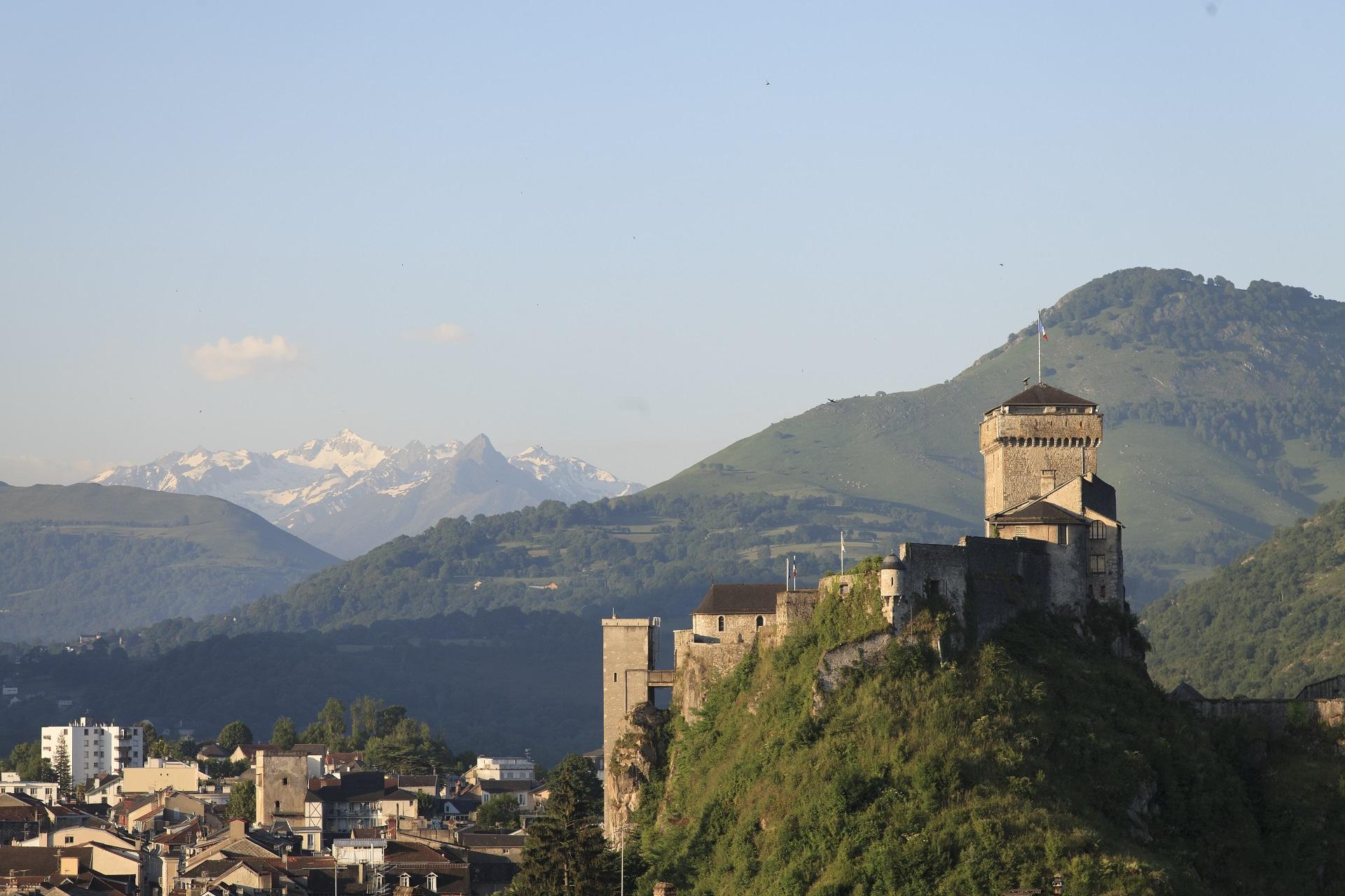 Le Château fort de Lourdes à 10mn seulement d'Aspin en Lavedan