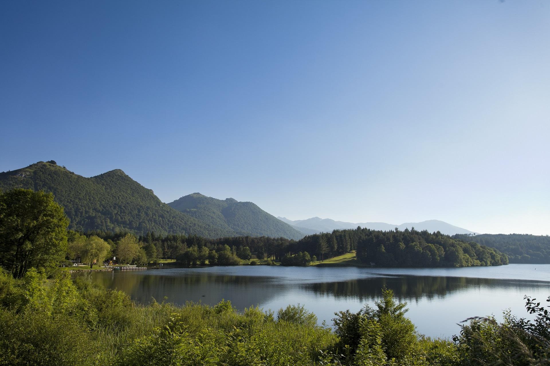 Le lac de Lourdes situé à quelques minutes seulement de votre location.